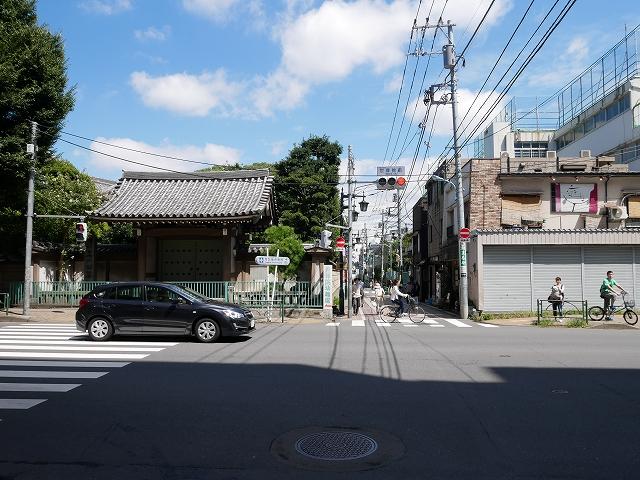 阿佐ヶ谷神明宮への交差点